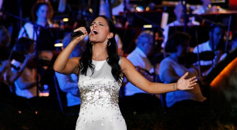 National Salute to Veterans: Pia Toscano Sings To Veterans