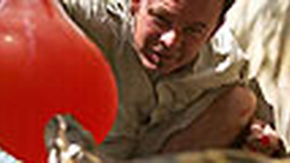 Balloon Strike image