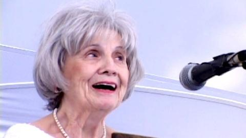 PBS NewsHour -- 'Depth of insight' distinguishes Nobel-laureate Munro