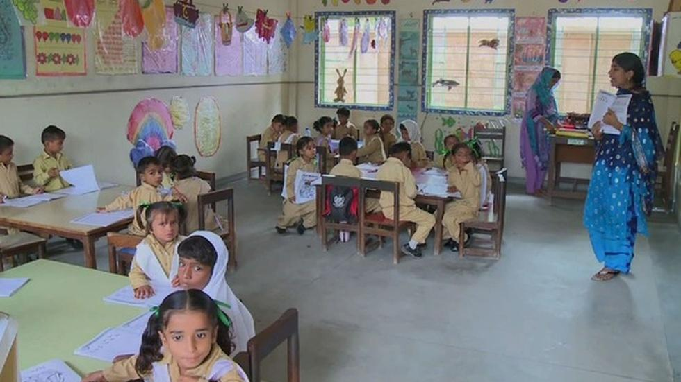 Expanding access to education for Pakistan's poor children image