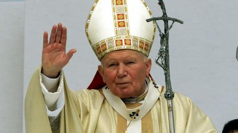 PBS NewsHour -- Pope Francis to hold double canonization at the Vatican