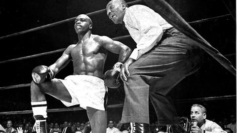 PBS NewsHour -- Remembering a prizefighter who fought for freedom