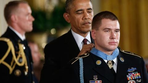 PBS NewsHour -- Obama honors Sgt. Kyle White, soldier who stood by his team