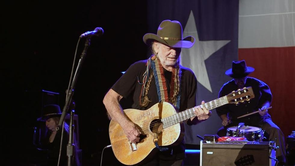 Why Willie Nelson keeps making music with his friends image