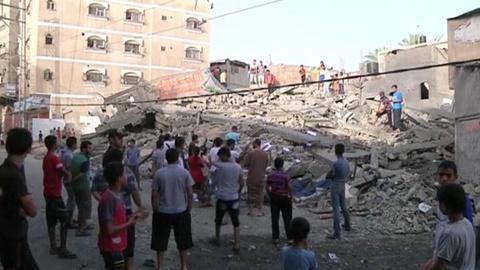 PBS NewsHour -- Death toll mounts as Israeli bombs hit Gaza strip