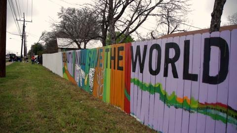 PBS NewsHour -- Painted fences bring Austin together
