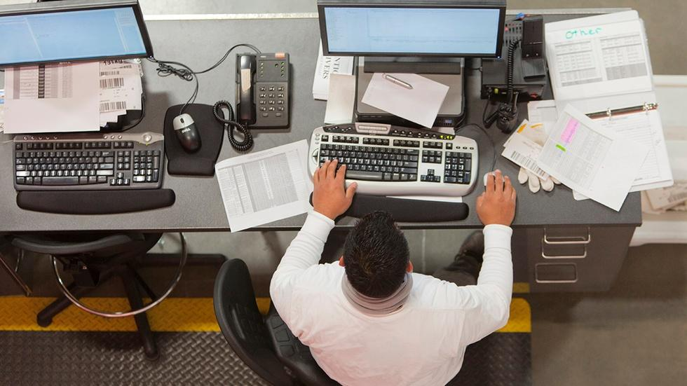 Jobs report falls below expectations image