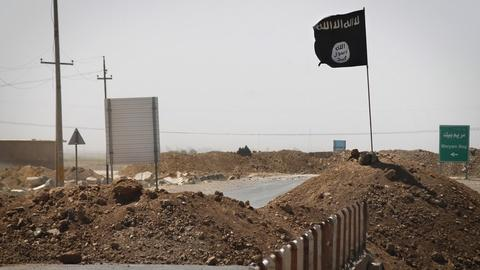 PBS NewsHour -- Analyzing potential challenges of fighting the Islamic State