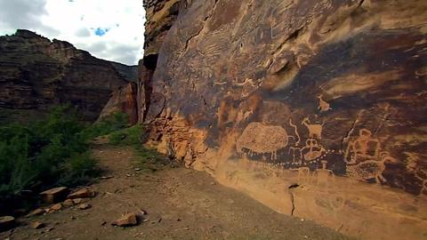 PBS NewsHour -- Utah archaeological site becomes protest site