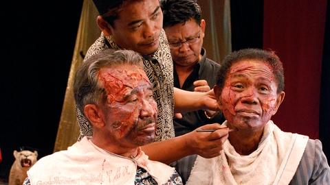 PBS NewsHour -- Confronting Indonesia's genocide in 'The Act of Killing'