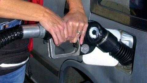 PBS NewsHour -- What's behind the sudden drop in US gas prices?