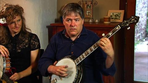 PBS NewsHour -- Bela Fleck and Abigail Washburn meld marriage with music