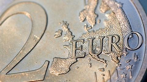 PBS NewsHour -- Will falling euro end up boosting Europe's economy?