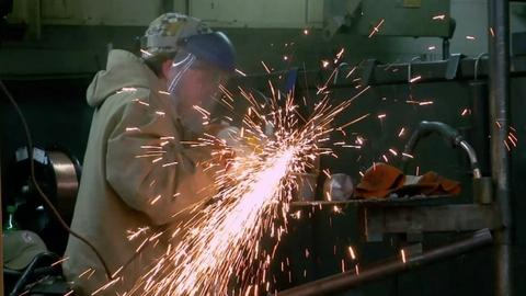 PBS NewsHour -- Will new manufacturing help ease Mississippi poverty?