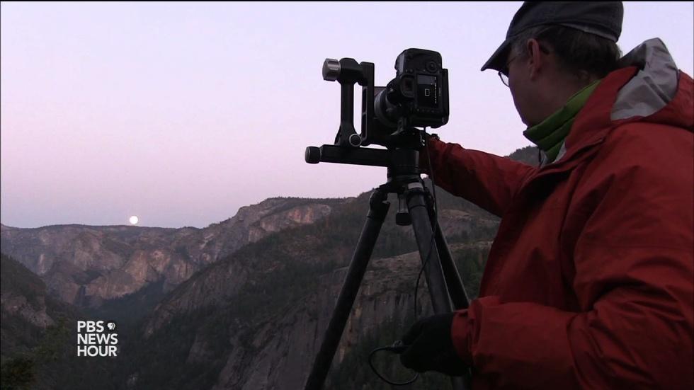 Photographers chase Yosemite's rare moonlight rainbows image