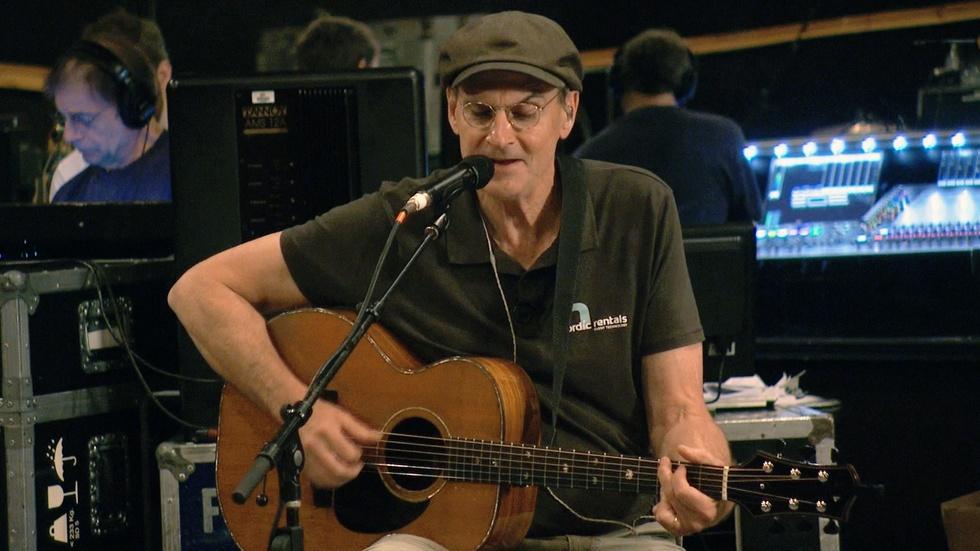 James Taylor sings 'Angels of Fenway' image