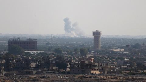 PBS NewsHour -- IS militants launch coordinated assault on Egyptian forces