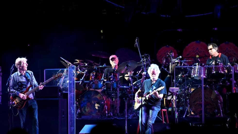 Grateful Dead bids farewell to faithful followers image