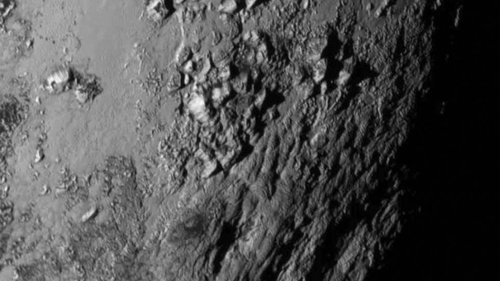 Welcome to Pluto, home to Rockies-sized mountains image