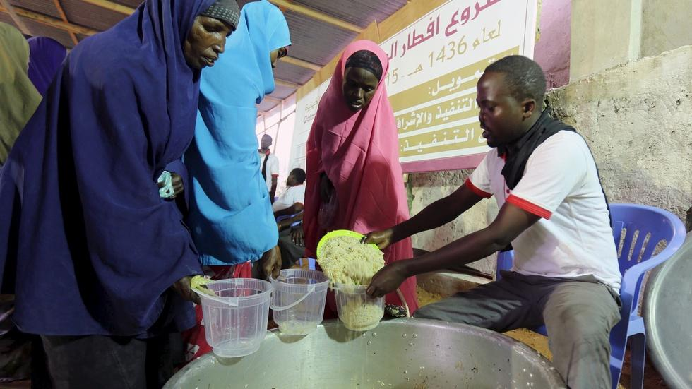 How U.S. policy may keep money from some Somali families image