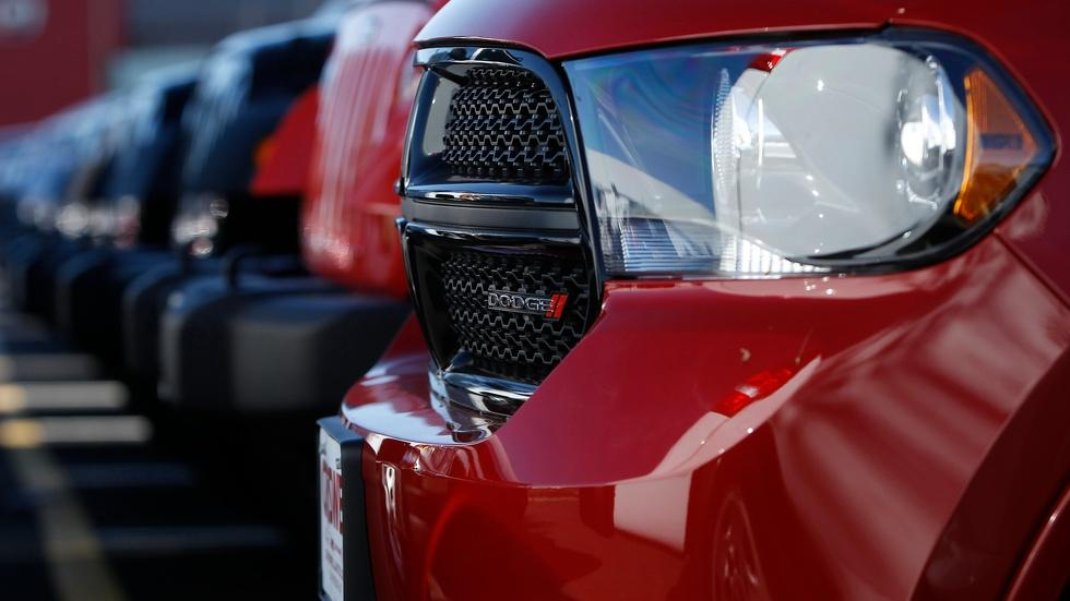 Fiat Chrysler faces record fines for failing to recall cars image