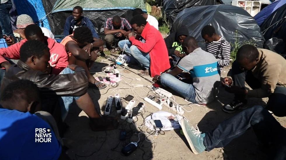 Seeking refuge in UK, migrants get stuck in Calais image