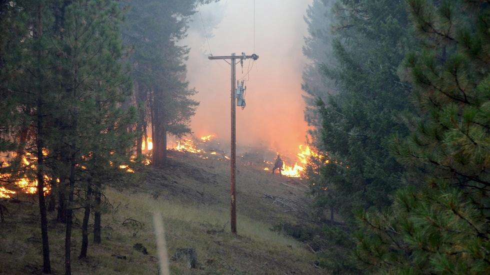 Wildfires prompt Army, National Guard to join the fight image