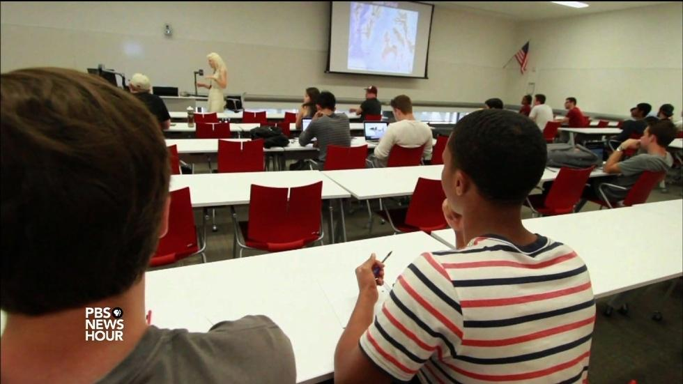 ASU opens its doors to more low-income students image