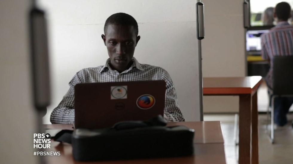Rwandan tech startup helps farmers get their milk to market image