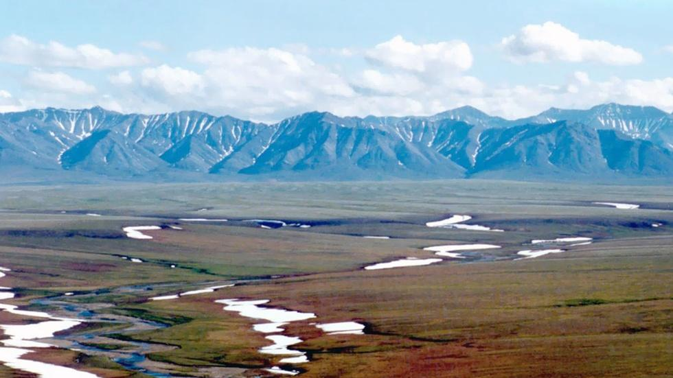 Obama visits Alaskan Arctic for climate change show-and-tell image