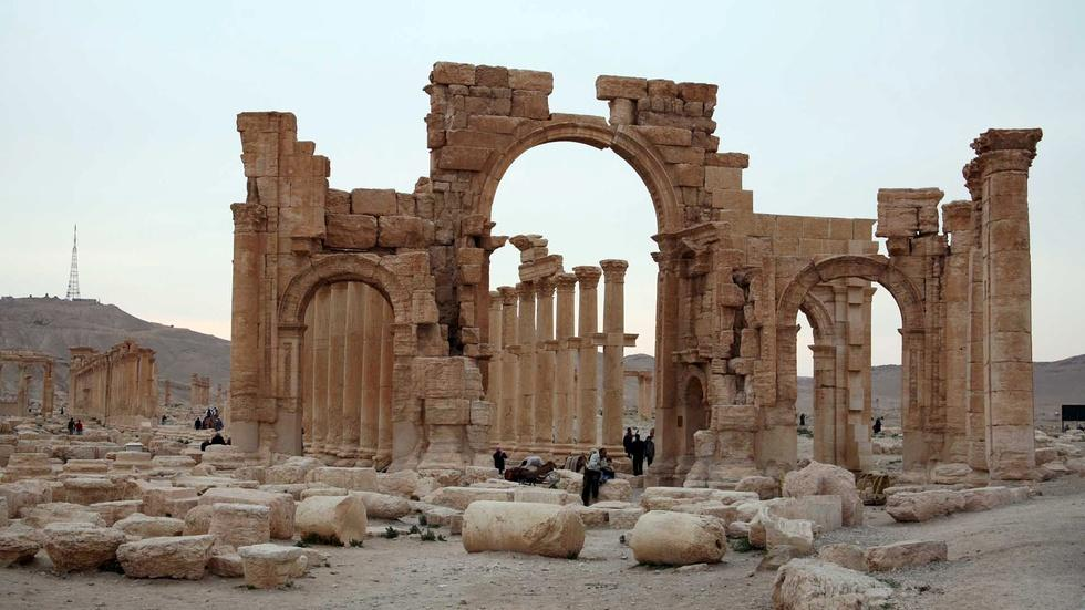 Palmyra, where East met West, is symbolic target for IS image