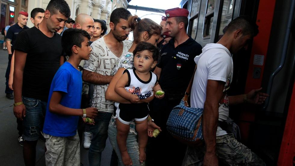 Europe grapples with how to help refugees fleeing conflict image