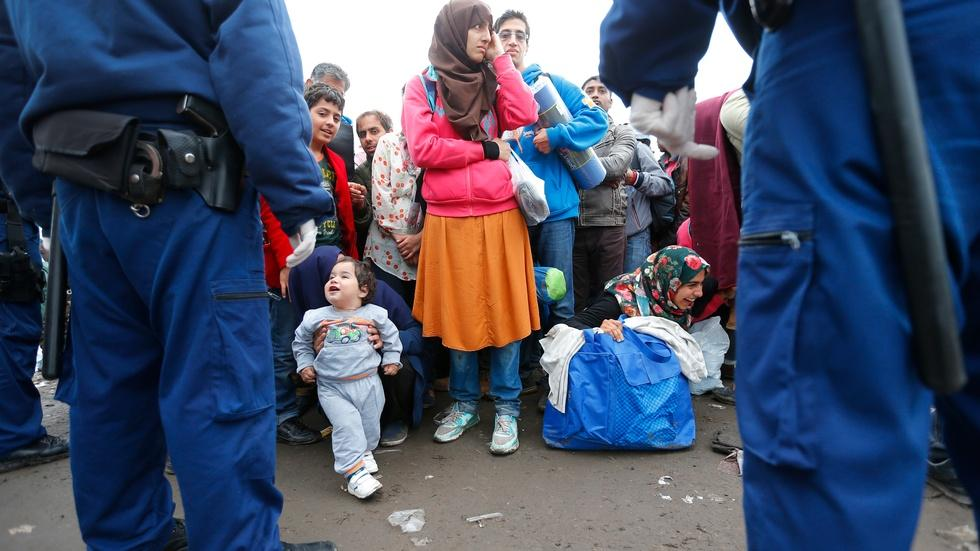 What life in transit looks like for refugees in Europe image