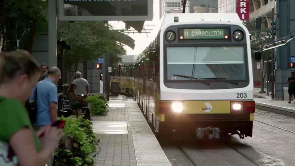 Texas cities reap economic boon from light rail image