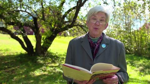PBS NewsHour -- Ellen Bryant Voigt reads 'Apple Tree'