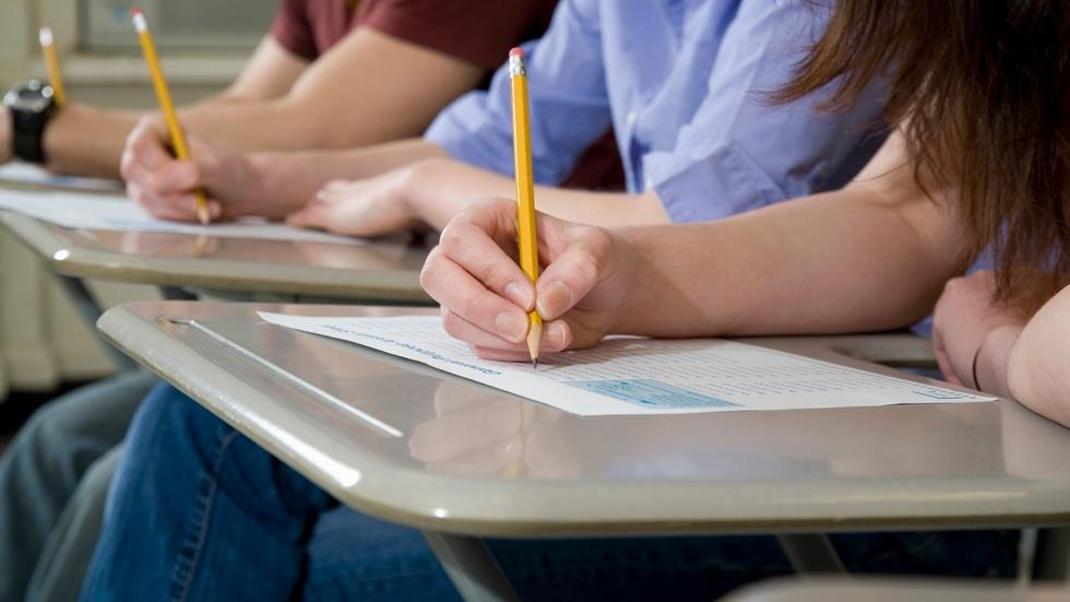 What does Obama's testing plan mean for American students? image