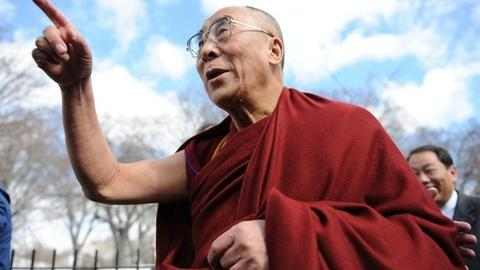 PBS NewsHour -- Dalai Lama's doctor wants more compassion in medicine