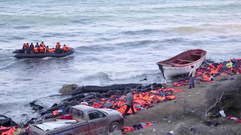 Cash-strapped, Greece deals with tides of refugee arrivals image