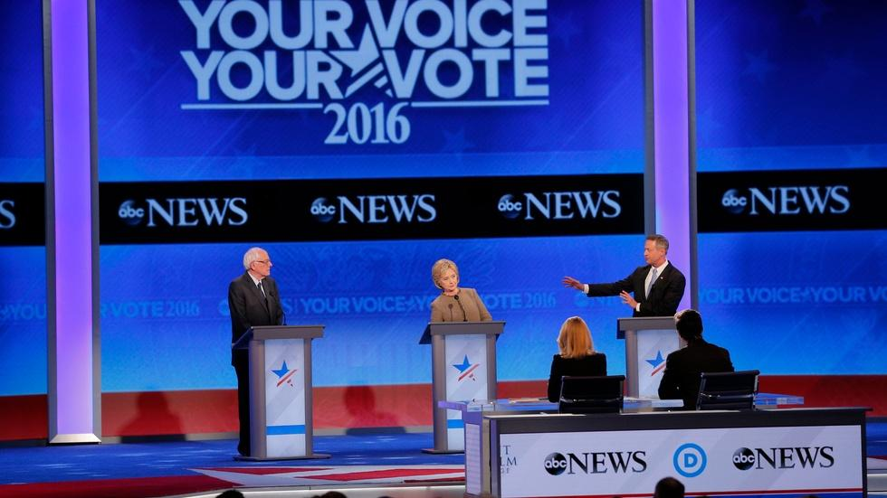 Democrats differ on Islamic State fight in third debate image