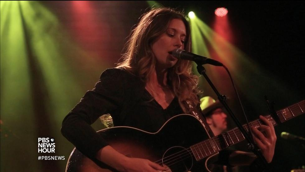 Lera Lynn makes her music dark with a Texas twang image