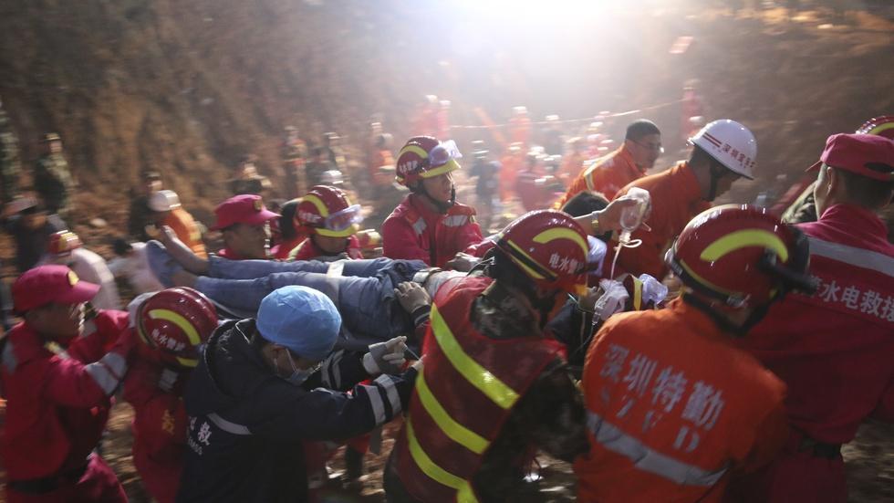 News Wrap: Survivor rescued from Shenzhen mudslide image