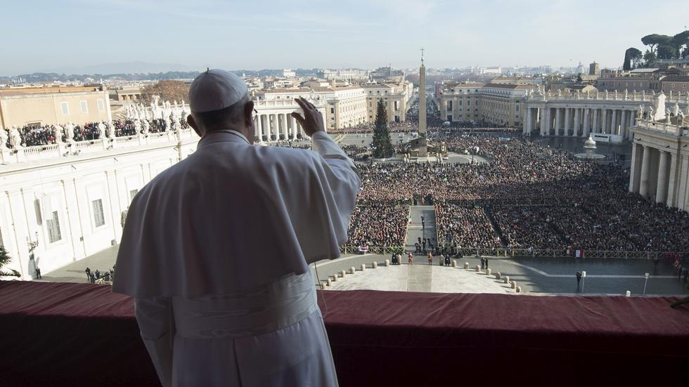 News Wrap: Pope calls for an end to terror at Christmas image