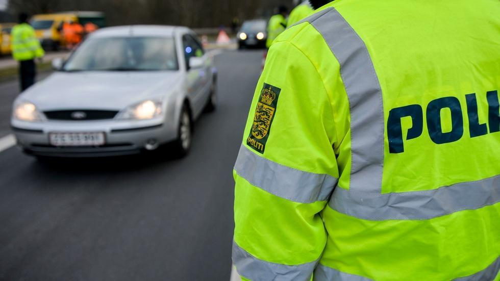 Sweden, Denmark move to tighten their borders image