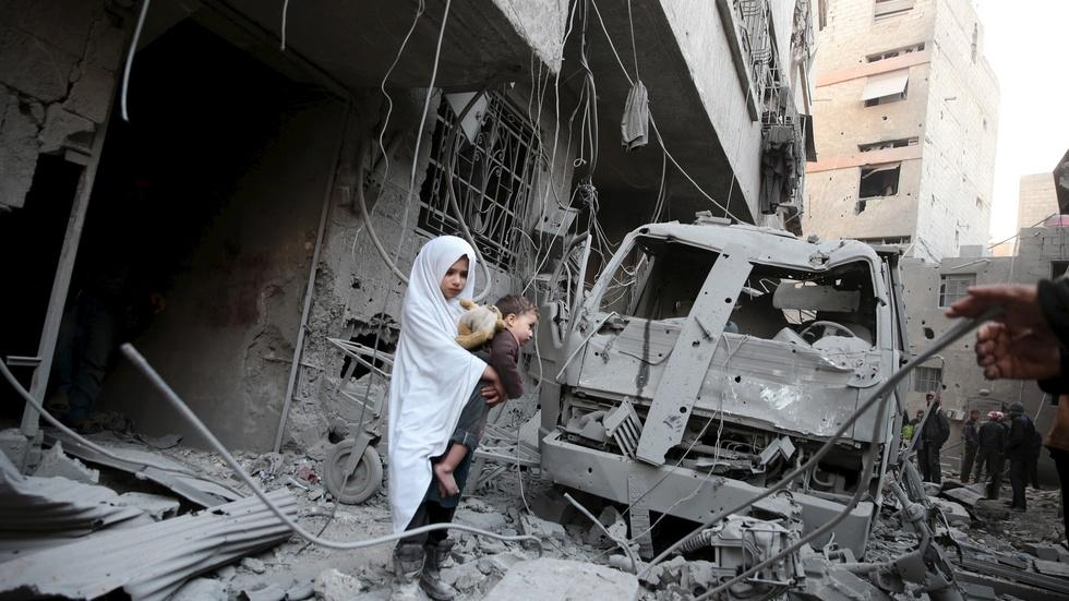 Why has it been so hard to get aid to Syrians under siege? image