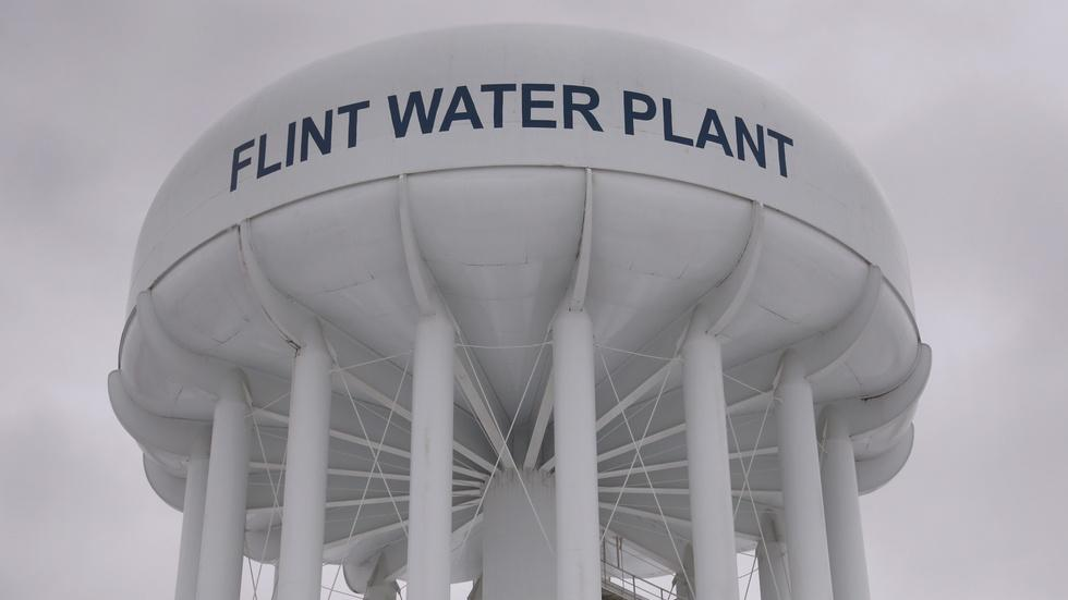 Toxic water crisis poisons public trust in Flint image