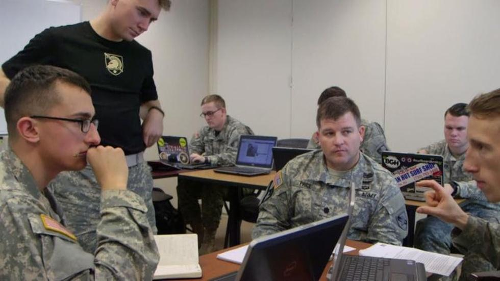 Enlisting college students to fight extremism online image