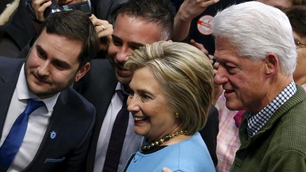 Clinton camp wrestles with gender and generational divides image