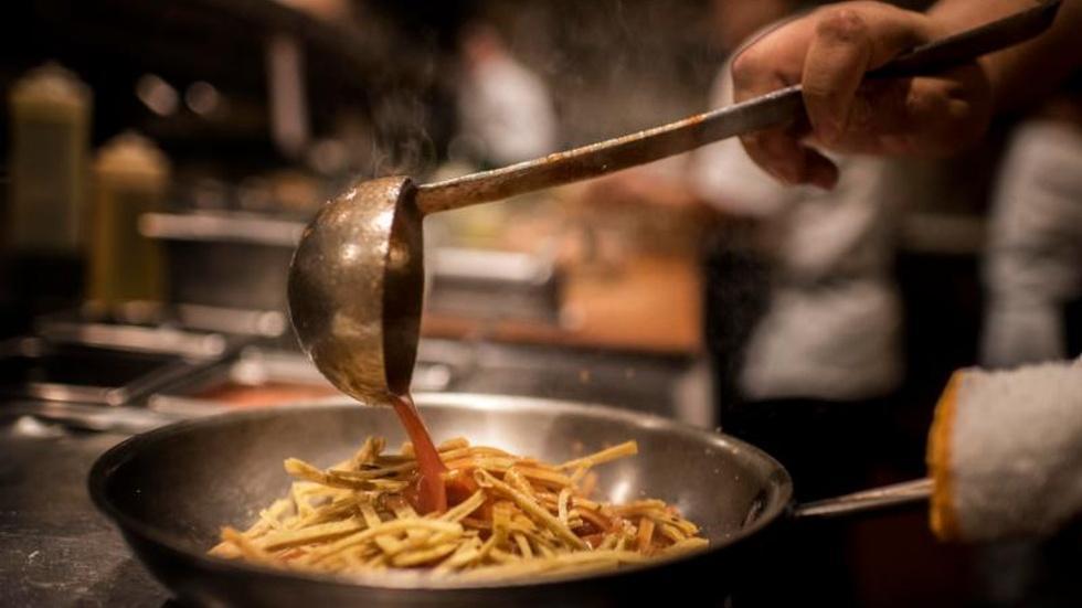 Chicago taps social media for restaurant inspections image