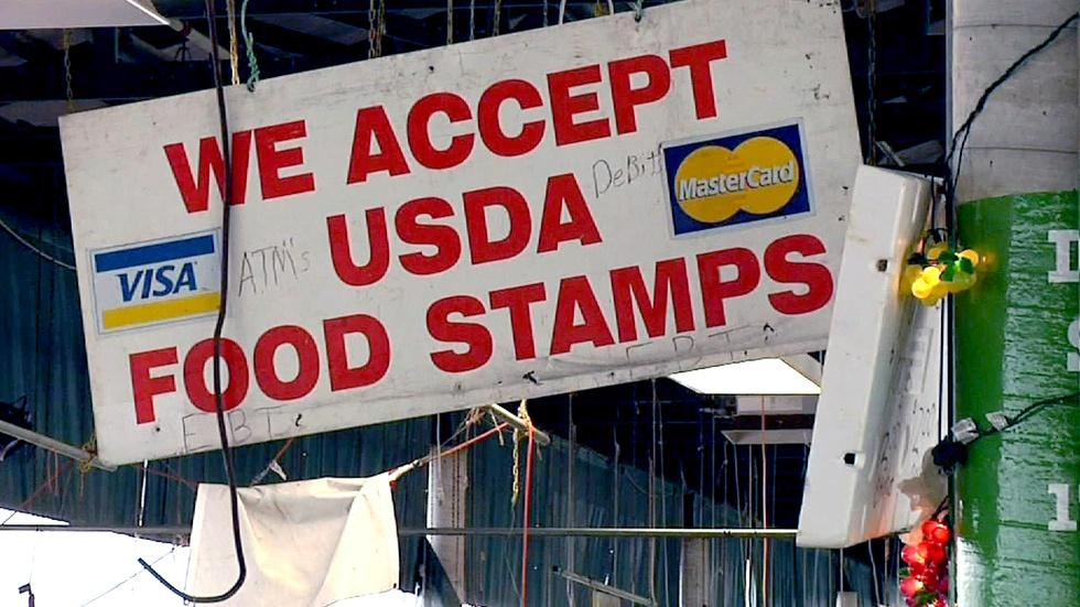 Will shoppers on food stamps pick up fresher foods? image