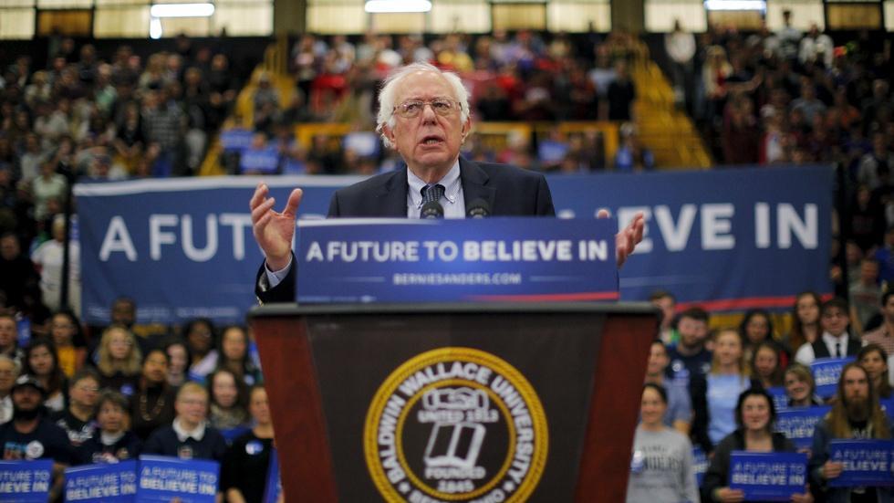 GOP readies for 10th debate, Sanders turns to Midwest image